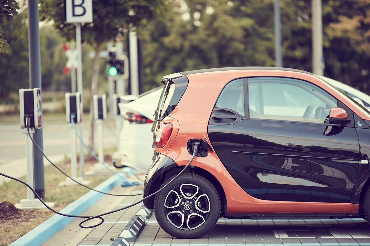 electric cars vs gasoline cars