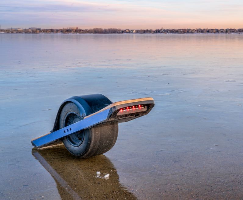 one wheeled hoverboard